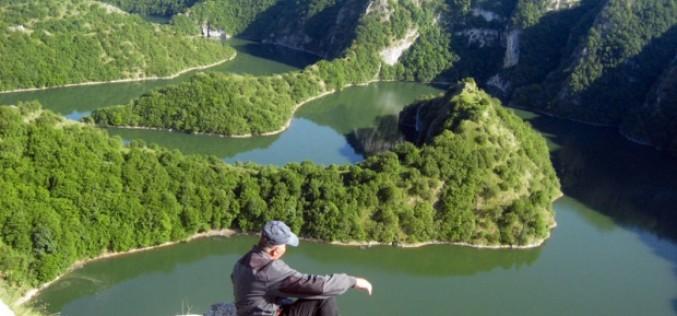Kanjon Uvca iz perspektive beloglavog. (VIDEO)