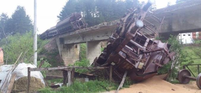 Priboj – teretni voz pao sa mosta u Rabrenovcu