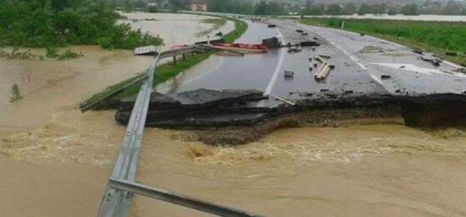Spisak neprohodnih puteva zbog izlivanja reka i poplava