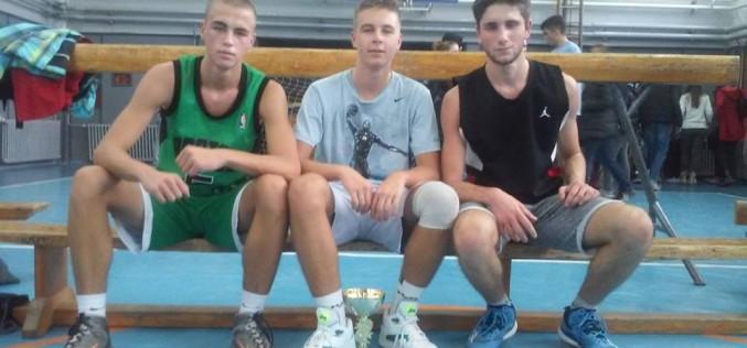 Odeljenje III-2, dvostruki basket šampioni (foto)