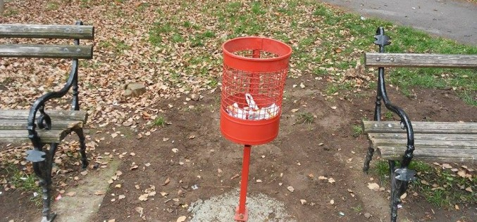 Stari Priboj konačno dobio korpe za smeće (foto)