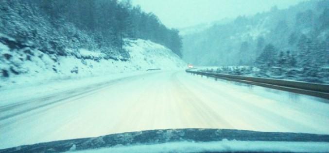 Sneg na putevima  u okolini Priboja, Nove Varoši i  Prijepolja
