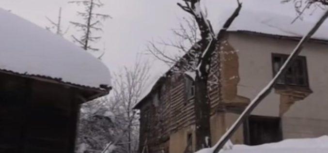 KOMŠIJE GA PRONAŠLE ZATRPANOG SNEGOM: Milan iz zabačenog prijepoljskog sela proveo noć u srušenoj kući! SVAKOGA DANA STRAHUJE OD NAJGOREG!