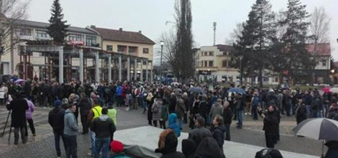 Protest u centru Požege: Žešća, ni veća pljačka nije bila