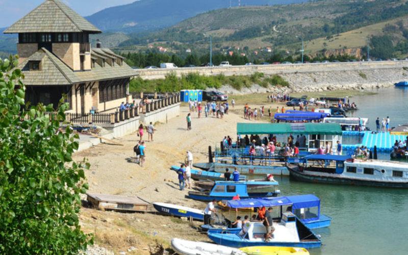Na leto Akva park na Zlatarskom jezeru u Kokinom Brodu