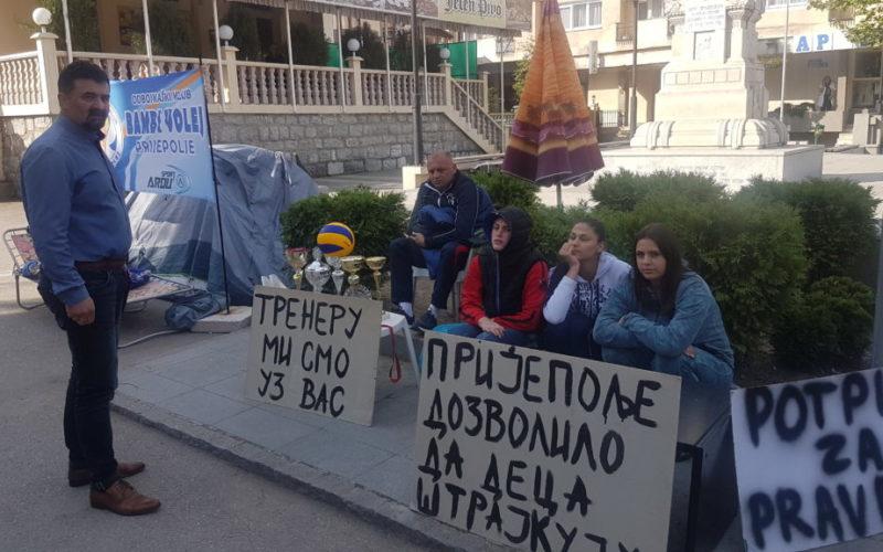 ODBOJKAŠICE BAMBI VOLEJA ŠTRAJKUJU GLAĐU! Zindović traži intervenciju policije (Video)
